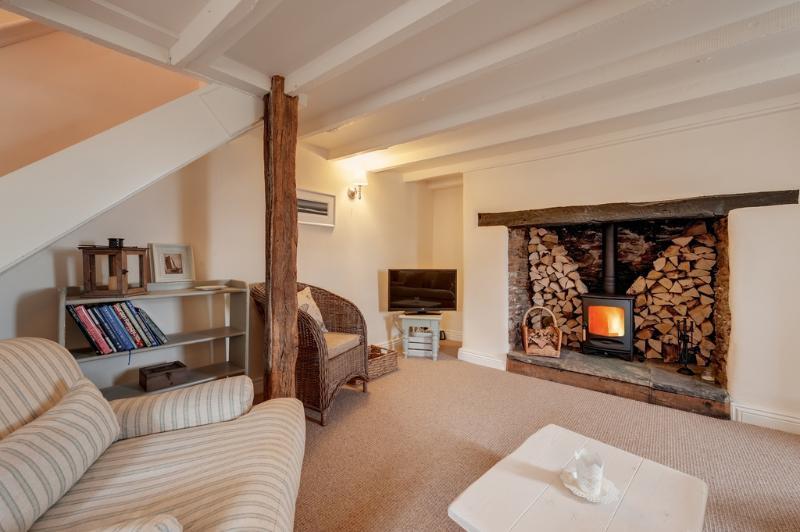 Magnolia Cottage located in Dartmouth & Kingswear, Devon - Image 1 - Dartmouth - rentals