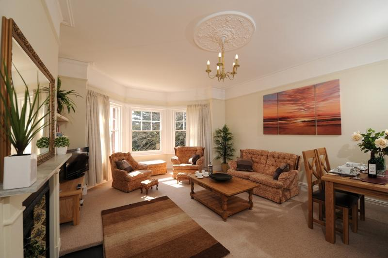 Upper Knutsford located in Exmouth, Devon - Image 1 - Exmouth - rentals