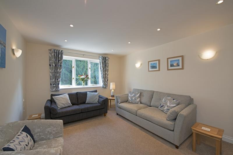 The Hollies, Ventnor located in Sandown & The South Coast, Isle Of Wight - Image 1 - Sandown - rentals