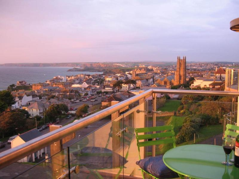 27 Horizons located in Newquay, Cornwall - Image 1 - Newquay - rentals