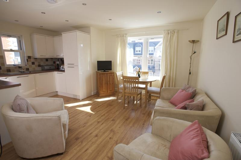 4 Harbour Reach located in Weymouth, Dorset - Image 1 - Weymouth - rentals