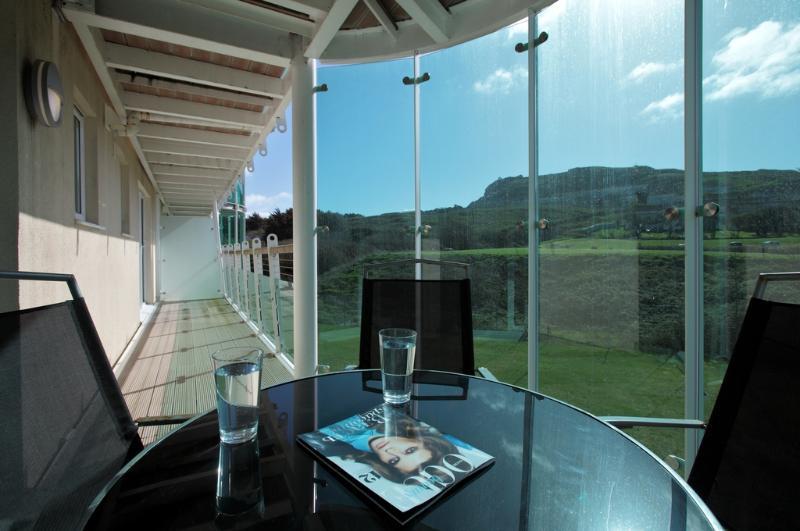 162 Ocean Views located in Portland, Dorset - Image 1 - Weymouth - rentals