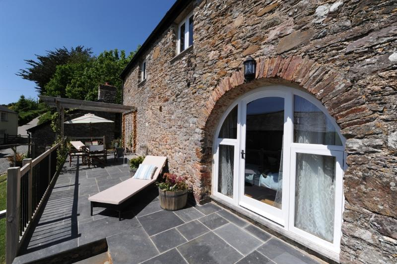 Nutcombe Cottage located in Ilfracombe, Devon - Image 1 - Ilfracombe - rentals