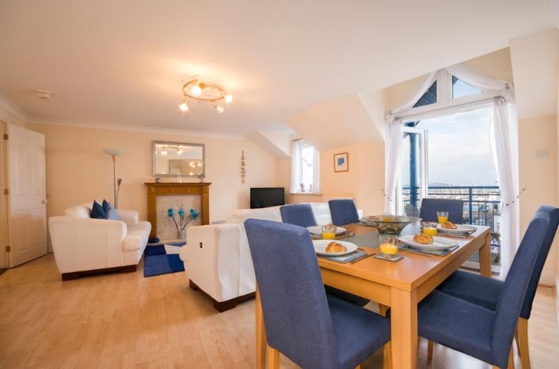 50 Moorings Reach located in Brixham, Devon - Image 1 - Brixham - rentals