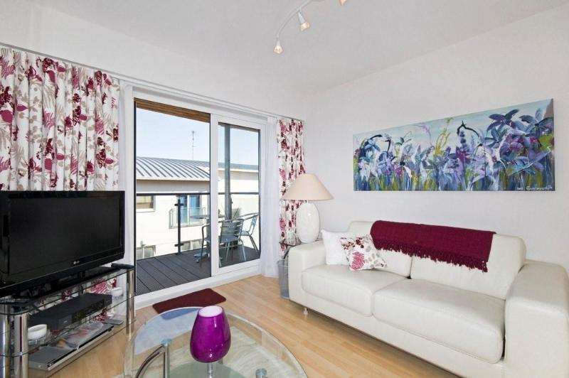 23 Ocean 1 located in Newquay, Cornwall - Image 1 - Newquay - rentals
