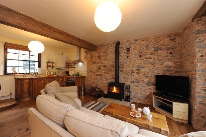The River Cottage located in Buckfastleigh, Devon - Image 1 - Buckfastleigh - rentals