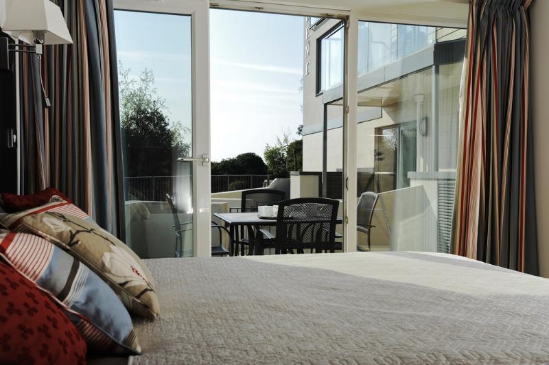 16b Studland Dene located in Bournemouth, Dorset - Image 1 - Bournemouth - rentals