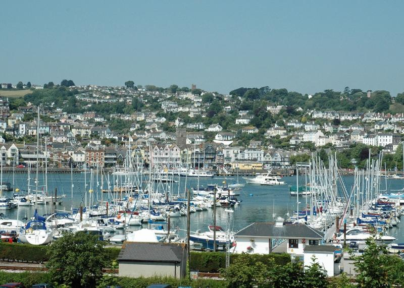 6 Riverside Wharf located in Kingswear, Devon - Image 1 - Dartmouth - rentals