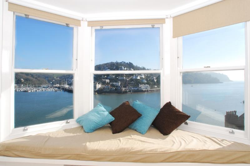 Solstice located in Dartmouth, Devon - Image 1 - Dartmouth - rentals