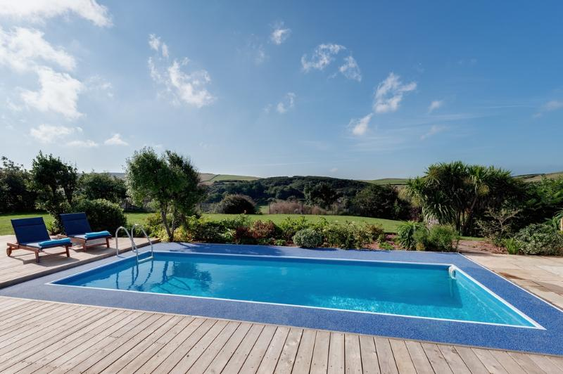 Sunny Corner Cottage located in Salcombe & South Hams, Devon - Image 1 - Salcombe - rentals