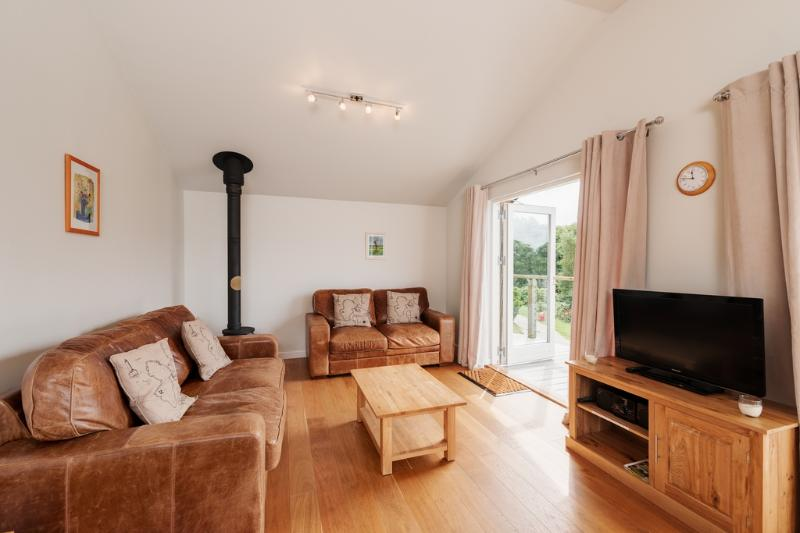 2 Lakeview located in Lanreath, Cornwall - Image 1 - Lanreath - rentals