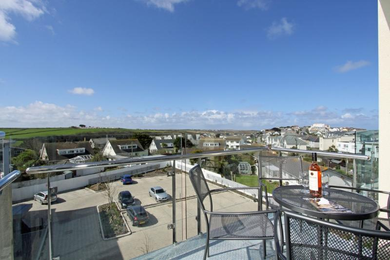 34 Tre Lowen located in Newquay, Cornwall - Image 1 - Newquay - rentals