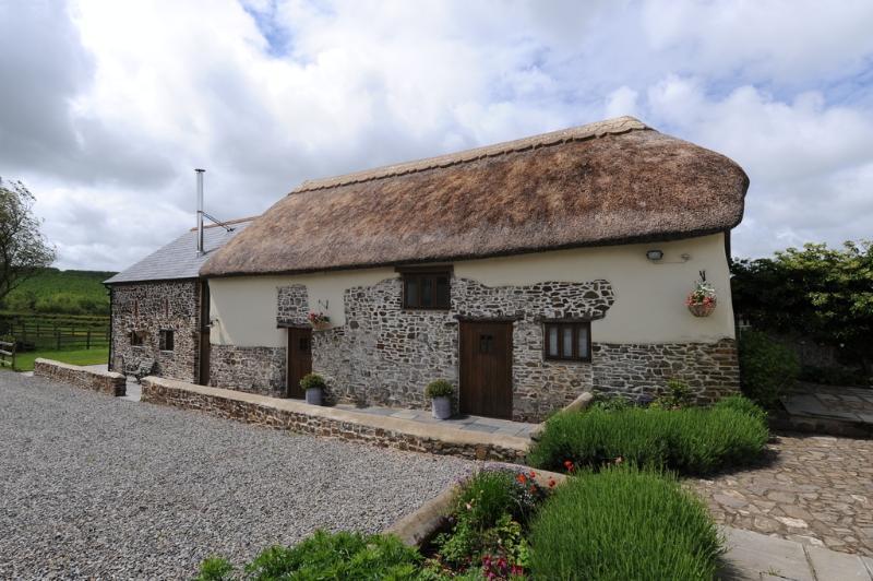 Mole Hall located in Torrington, Devon - Image 1 - Bideford - rentals