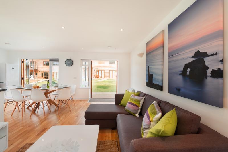 19 Garras located in Porthtowan, Cornwall - Image 1 - Porthtowan - rentals