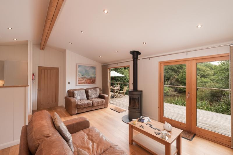 5 Watersedge located in Lanreath, Cornwall - Image 1 - Lanreath - rentals