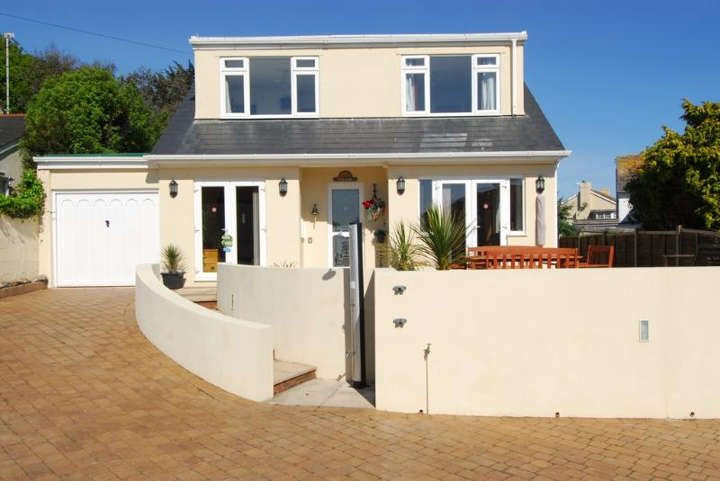 Steamer Quay Cottage located in Paignton, Devon - Image 1 - Paignton - rentals