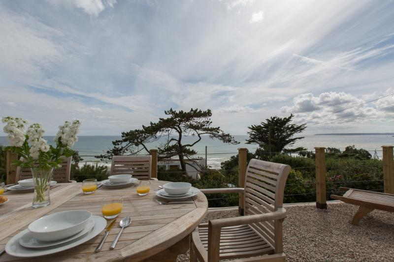 Sea Home, Praa Sands located in Penzance, Cornwall - Image 1 - Penzance - rentals