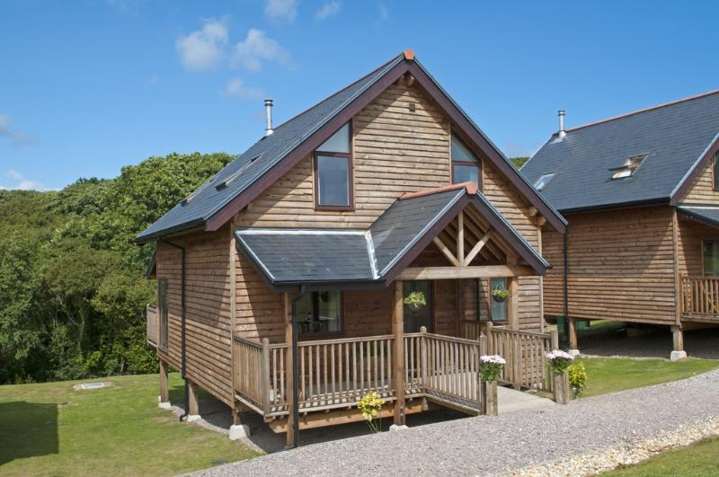 Kingfisher, The Water Mill located in Calbourne, Isle Of Wight - Image 1 - Freshwater - rentals