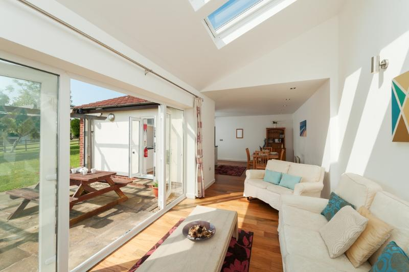 Tulip, Stoneleigh Village located in Sidmouth, Devon - Image 1 - Sidmouth - rentals