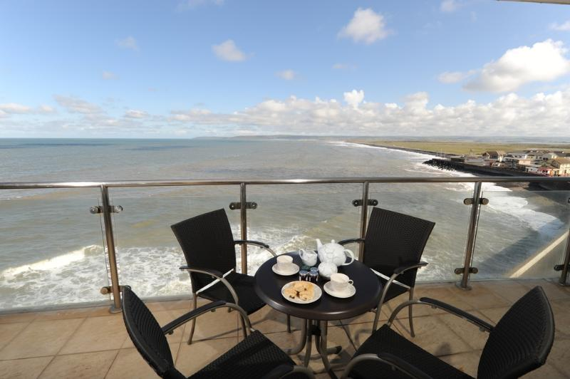 Tidal Bay, Horizon View located in Westward Ho!, Devon - Image 1 - Westward Ho - rentals