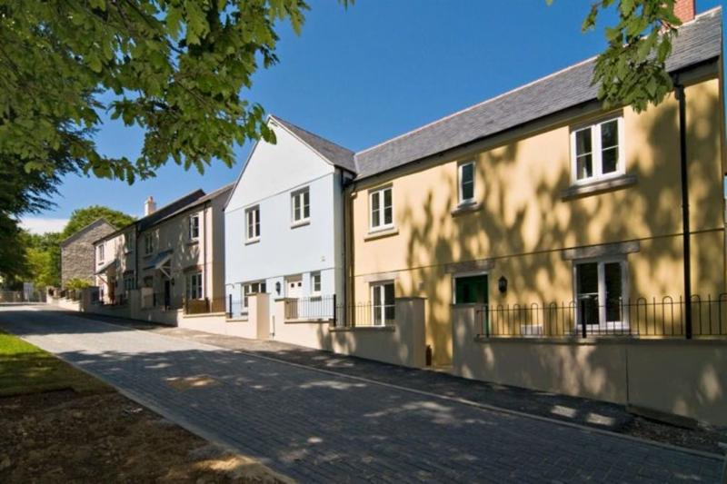 Kara Mor, Duporth Bay located in Duporth, Cornwall - Image 1 - Saint Austell - rentals