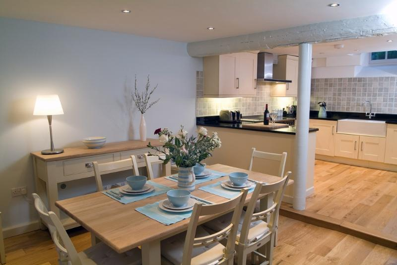The Salt Lodge located in St Ives, Cornwall - Image 1 - Saint Ives - rentals