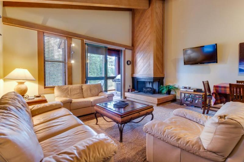 Dog-friendly home with shared pool, hot tub, & free bus to slopes! - Image 1 - Northstar - rentals