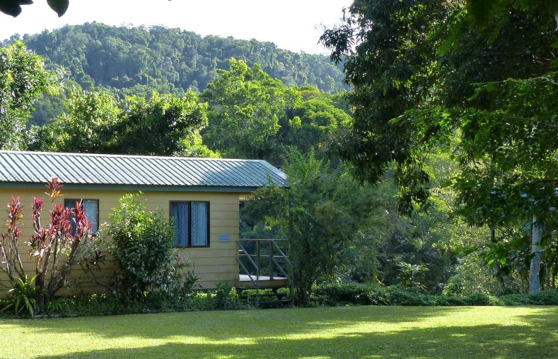 Sunbird Sanctuary - king/twin-bed self-contained bungalow at Daintree Valley Haven - Daintree Valley Haven, Self-contained B&B Cabins - Daintree - rentals