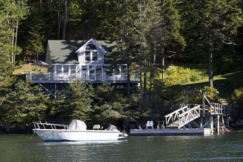 COVESIDE ON LINEKIN BAY | CONTEMPORARY COTTAGE AT THE EDGE OF LINEKIN BAY | COUPLES RETREAT | - Image 1 - Boothbay - rentals
