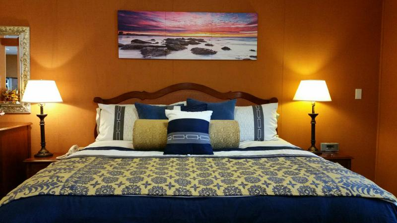 Wedding Suite (room 14) - Image 1 - Fort Bragg - rentals
