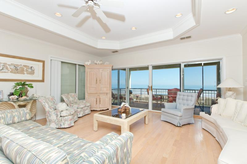 Spacious living room with ocean views - 5306 Gulf Blvd - South Padre Island - rentals