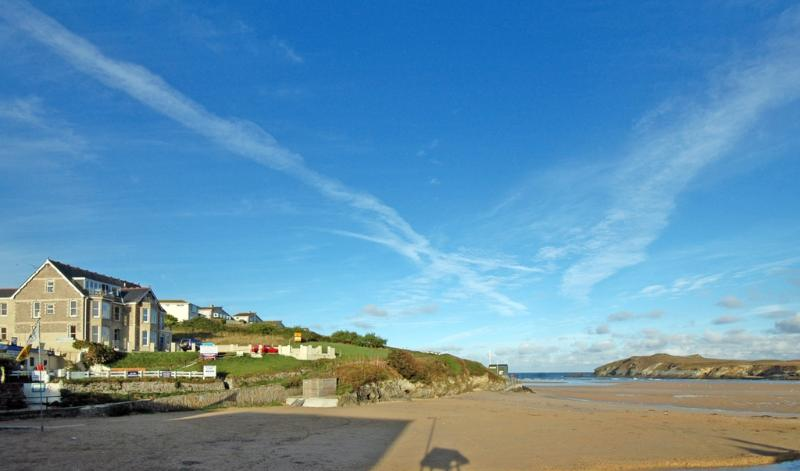 1 Seashore located in Newquay, Cornwall - Image 1 - Newquay - rentals
