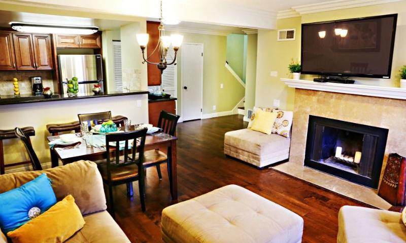 Family Room & Kitchen - Destination #20 by Anaheim Vacation House - Anaheim - rentals