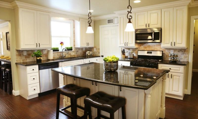 Kitchen - Destination #22 by Anaheim Vacation House - Anaheim - rentals