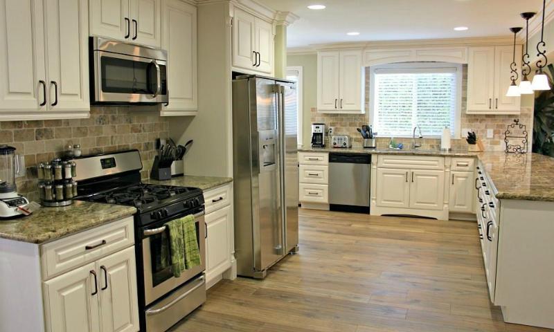 Kitchen - Destination #28 by Anaheim Vacation House - Anaheim - rentals