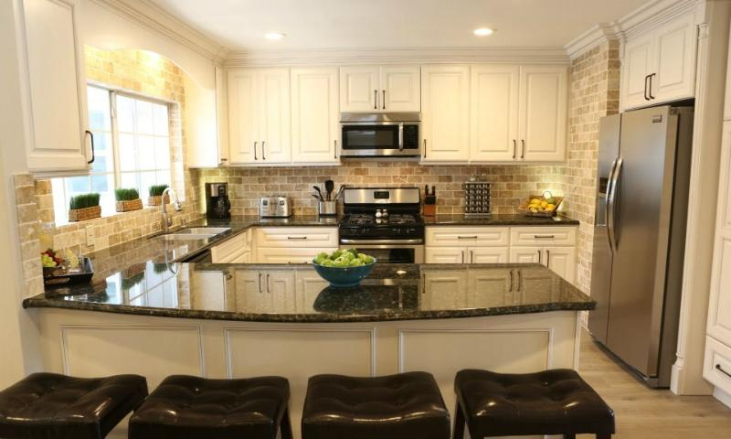 Kitchen - Destination #32 by Anaheim Vacation House - Anaheim - rentals