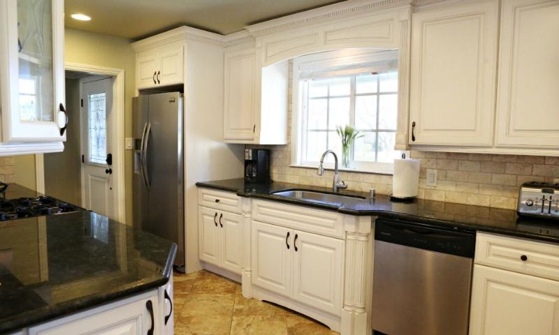 Granite Kitchen with Stainless Appliance - Destination #4 by Anaheim Vacation House - Anaheim - rentals