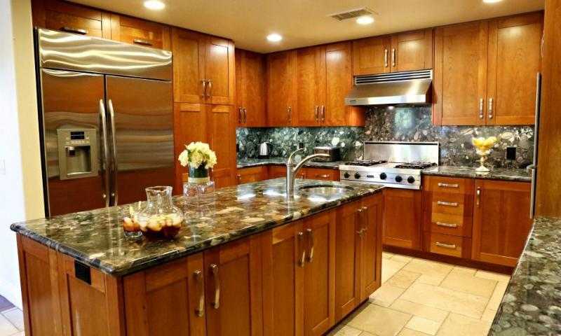 Kitchen - Destination #9 by Anaheim Vacation House - Anaheim - rentals