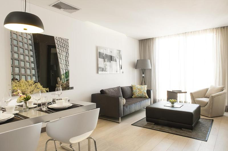 Gorgeous 1 Bedroom Apartment in Parque 93 - Image 1 - Bogota - rentals