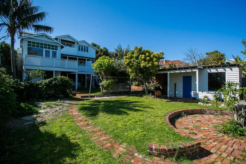 The Sunset House - Image 1 - Beaconsfield - rentals