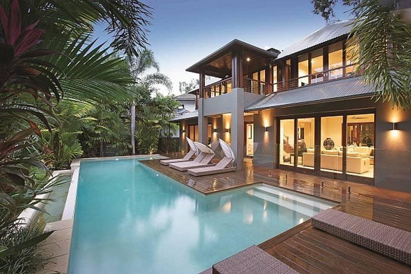 Villa Omaroo - Beachfront Mirage, Port Douglas - Image 1 - Port Douglas - rentals