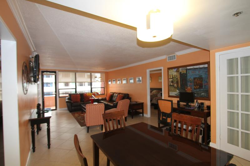 Cozy two Bedroom 708 - Image 1 - Miami Beach - rentals