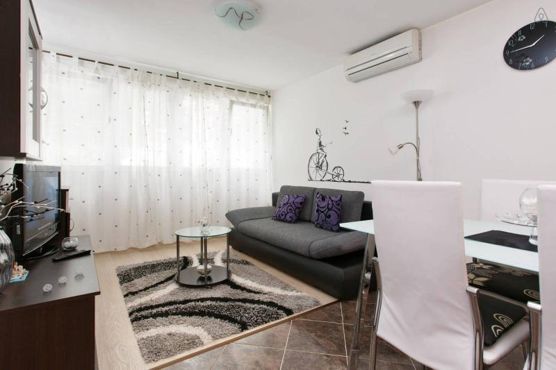 living/dining area - Apartment Stanić - HOME AWAY FROM HOME ! - Split - rentals