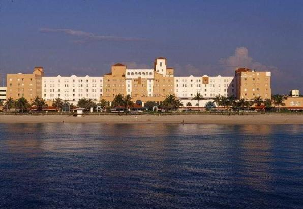 Outstanding Hollywood Beach Resort Cruise Port - Image 1 - Hollywood - rentals