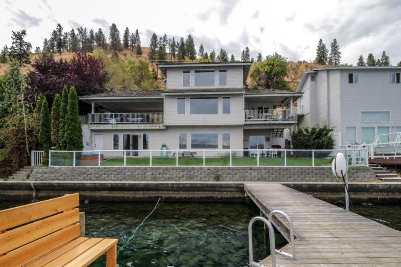 Lakefront home w/ private dock, hot tub - minutes from downtown Chelan - Image 1 - Chelan - rentals