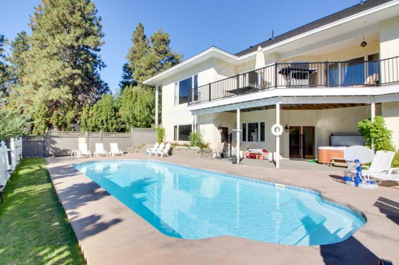 Great home w/private pool & hot tub, game room & lake views - Image 1 - Manson - rentals