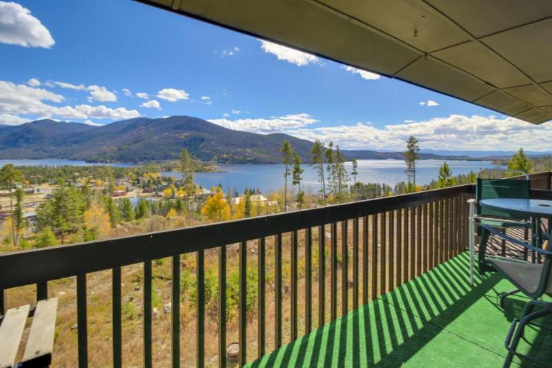 Enjoy amazing views of Grand Lake from this cozy & warm condo! - Image 1 - Grand Lake - rentals