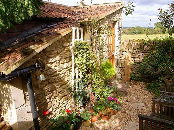 THYME FOR A BREAK, ground floor, quaint compact cottage with woodburner, in Neston, Ref. 929392 - Image 1 - Corsham - rentals
