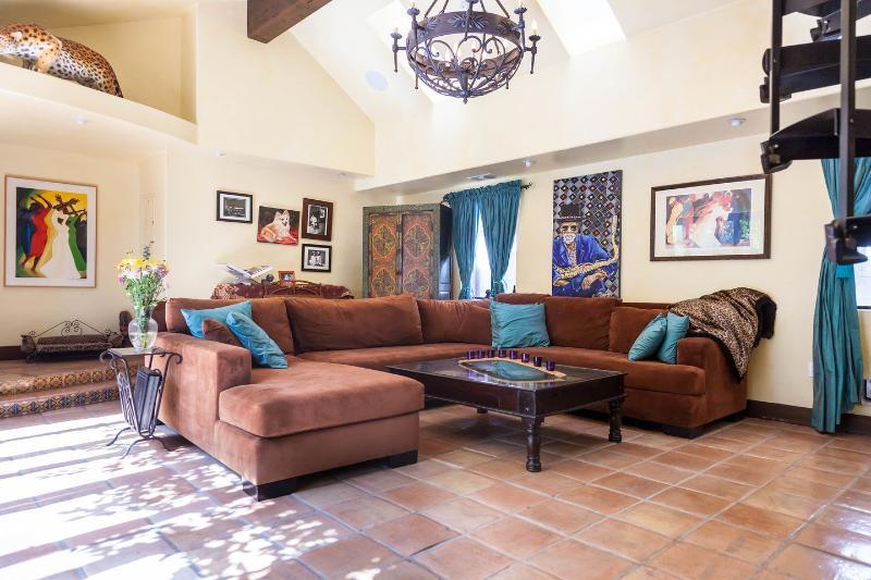 Living Room - Beach Suite in Venice Garden Estate & Bikes - Los Angeles - rentals