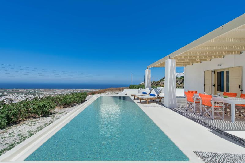 3 bedroom villa with pool and amazing views - Image 1 - Pyrgos - rentals